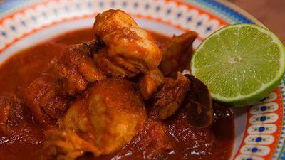 "Recipe:&nbsp;<a href=""http://kitchen.nine.com.au/2016/06/16/11/23/zoe-bingleypullins-mild-chicken-curry-with-quinoa"" target=""_top"" draggable=""false"">Zoe Bingley-Pullin's mild chicken curry with quinoa</a>"