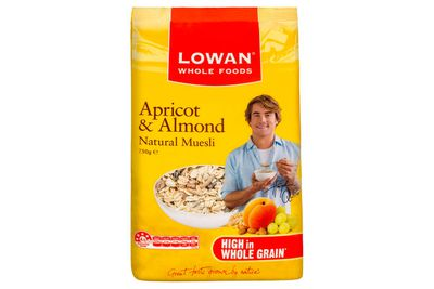 Lowan Apricot and Almond Muesli: Almost 2 teaspoons of sugar
