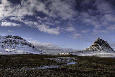 <strong>Kirkjufell, Grundarfj&ouml;r&eth;ur, Iceland</strong>