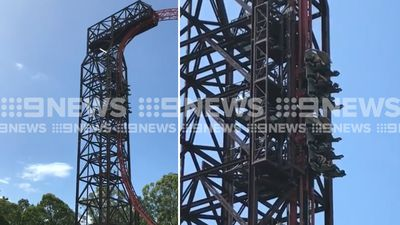Children scream as Dreamworld's Buzzsaw stuck vertical