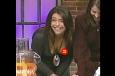 Have you ever laughed so hard your boob fell out? Talk show host and chef Rachael Ray has.