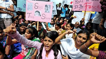 Demonstrators take part in a protest aganist child rape in Bangalore, India, 31 October 2014. Demonstrators staged a protest after a nursery student was allegedly sexually abused at a school in the city and in another case at a school in Bangalore's eastern suburb a six-year-old girl student was allegedly raped twice by a teacher.