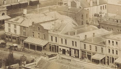The dentist had his office at 11 Swanston Street, next to where the Young and Jackson pub is now located.