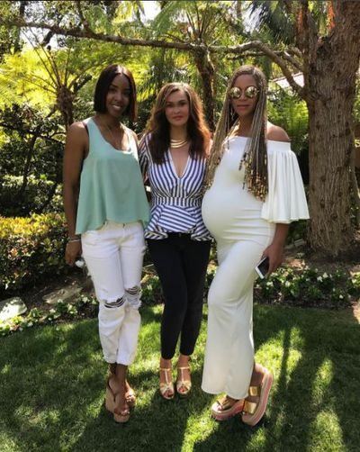 """<p>This pic, posted by her mama Tina Knowles, shows her baby bump in all its glory. The sweet snap was taken on Easter Sunday which Beyonce celebrated with friends (such as former Destiny's Child member Kelly Rowlands) and family in Beverly Hills.</p> <p>""""Beyoncé looked amazing,"""" one guest told <a href=""""http://people.com/babies/beyonce-baby-bump-easter-celebration-family/"""" target=""""_blank"""" draggable=""""false"""">People</a>.</p> <p>""""She had fun watching daughter&nbsp;Blue Ivy, five, hunt for eggs. She celebrated for a couple of hours with her family.""""</p>"""
