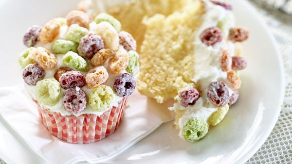Froot Loops cupcakes