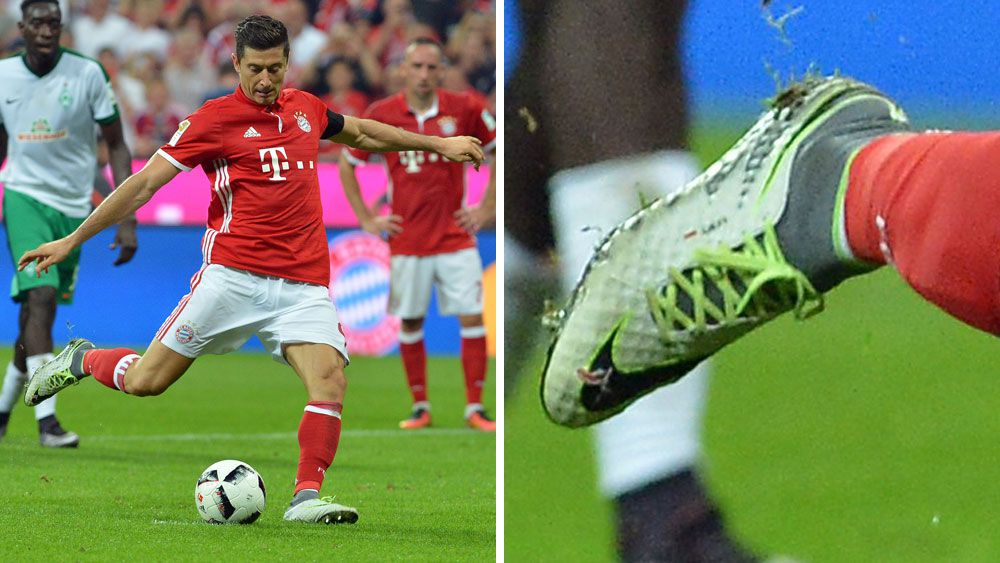 Football: Lewandowski scores hat-trick with hole in boot