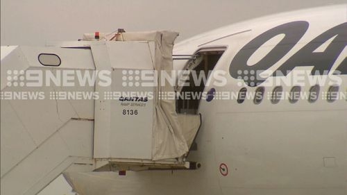 Engineers will inspect the plane in Melbourne. (9NEWS)