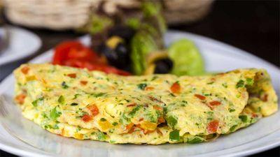 "2. Recipe: <a href=""https://kitchen.nine.com.au/2016/11/07/16/38/susie-burrells-hangover-cure-zucchini-omelette"" target=""_top"">Susie Burrell's hangover cure zucchini and mushroom omelette</a>"
