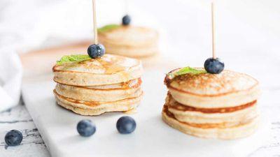 """Recipe: <a href=""""http://kitchen.nine.com.au/2018/02/16/14/29/banana-pikelet-recipe"""" target=""""_top"""" draggable=""""false"""">Banana pikelet pancake</a>"""