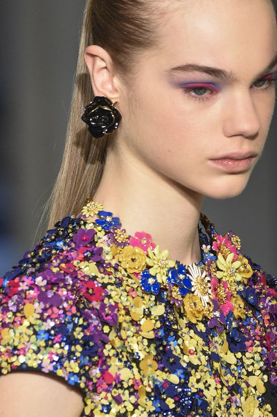 A wild yet somehow sweet new eye-shadow trend to try with Oscar De La Renta.