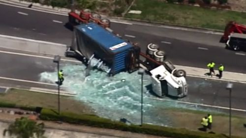Truck rollover in Brisbane's south closes M1 exit