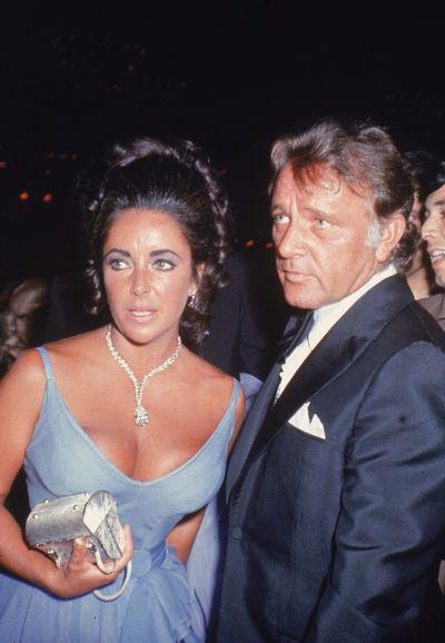 Richard Burton andElizabeth Taylor wearing the Taylor-Burton diamond at the 1970 Academy Awards