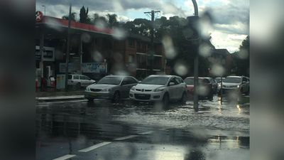 Flooded streets in Fairfield. (Leona Postle)