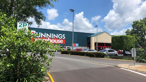 Police arrest 11-year-old after butter knife mugging in Darwin