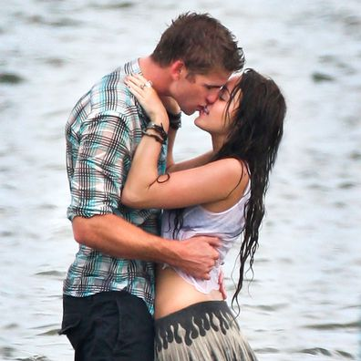 Miley Cyrus, Liam Hemsworth, The Last Song, kiss, on set, movie