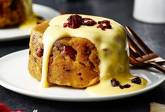 Bourbon, cranberry and white chocolate Christmas pudding