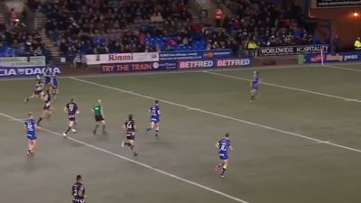 Widnes' Chris Houston cops ban for injuring referee in Super League match against Warrington