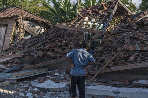 Over 20,000 Indonesians have also been displaced from their homes and accommodation because of the destruction left by the earthquake. Picture: AAP.