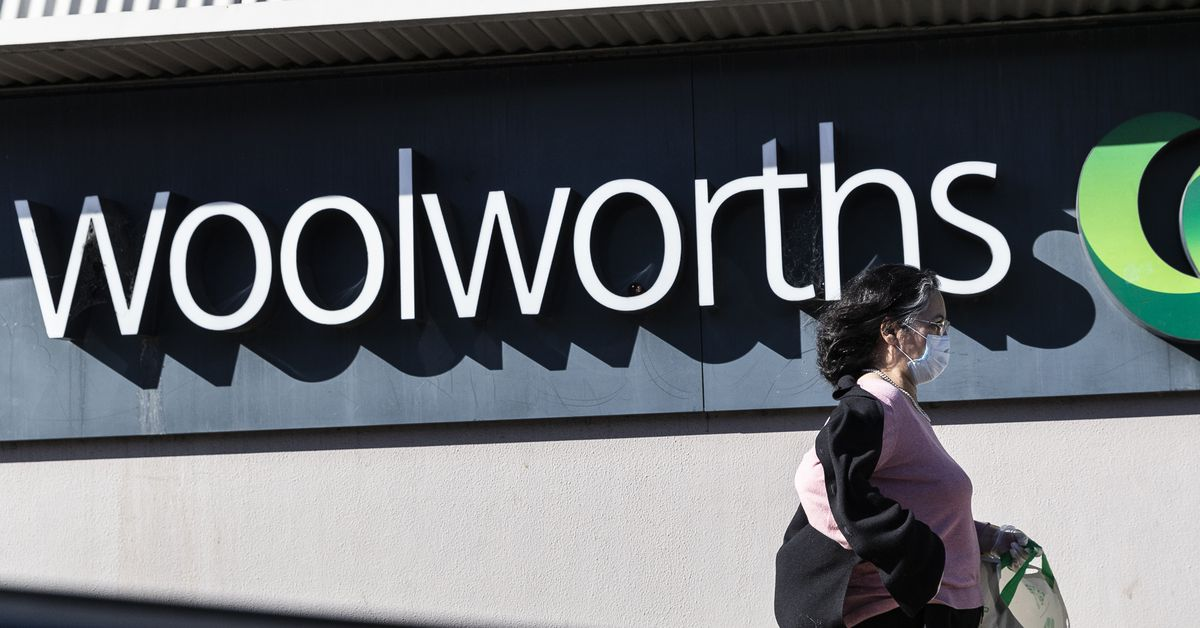 Woolworths Group profit plunges despite panic buying at supermarkets – 9News