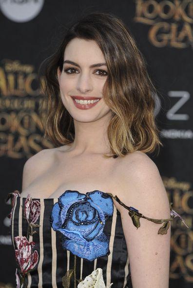 Anne Hathaway, lipstick, video
