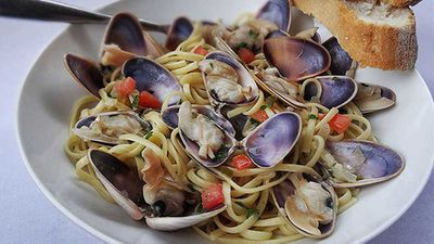 "Recipe:&nbsp;<a href=""http://kitchen.nine.com.au/2016/06/06/12/46/pippis-with-linguine"" target=""_top"">Pippis with linguine</a>"