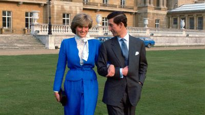Lady Diana Spencer and Prince Charles announce engagement, 1981
