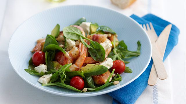 Pancetta-wrapped prawn salad with maple roasted figs