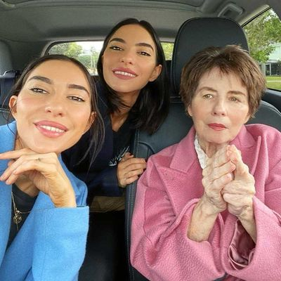 Lisa Origliasso and Jess Origliasso and their mother Colleen