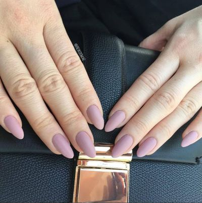 We are in love with this soft nail colour and finely-shaped pair of hands.