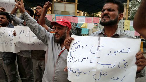 Protesters take to the streets in the Pakistan city of Kasur after the rape and murder of Zainab Ansari, 8. (Photo: AP).