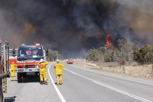 The blaze is expected to get worse through the afternoon. (AAP)
