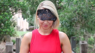 Modern millinery isn't restricted to hats and fascinators. This Millinery By Heather McDowell stiffened lace visor works well with the sport luxe trend. (Sydney Event Blogger)