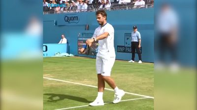Tennis: Stan Wawrinka smashes racquet by Querrey at Queen's Club