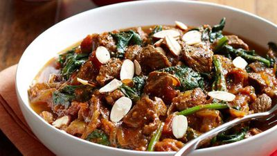 "<a href=""http://kitchen.nine.com.au/2016/05/05/16/20/lamb-curry"" target=""_top"" draggable=""false"">Lamb curry</a> recipe"