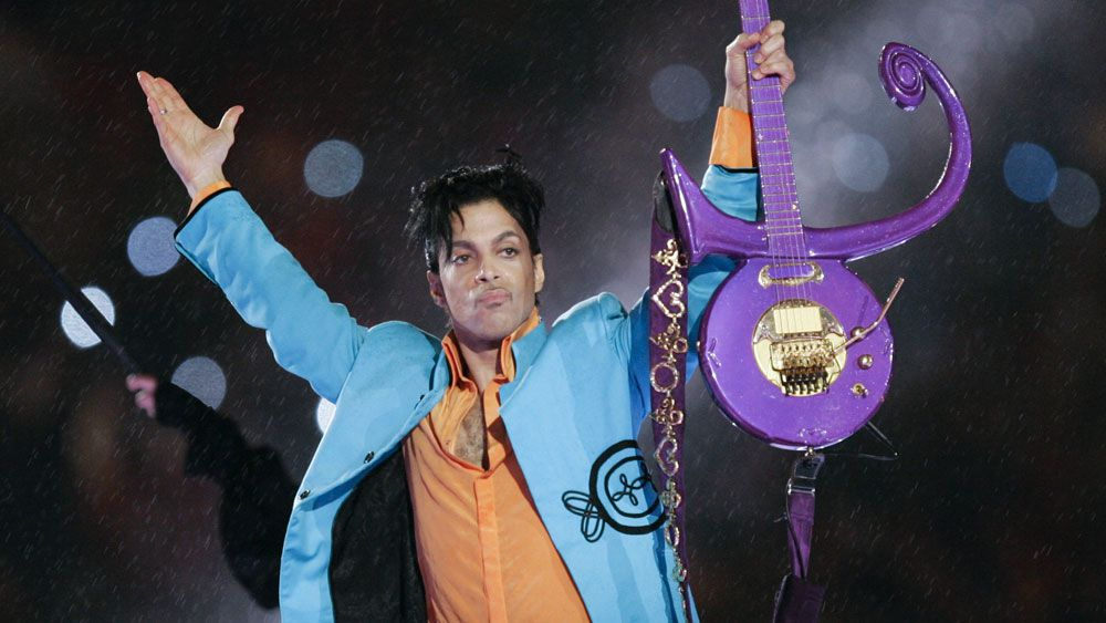 Sports world pays respects to 'talented entertainer' Prince