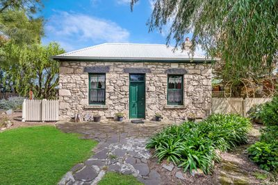 1 Goldies Lane, Port Fairy - $595,000
