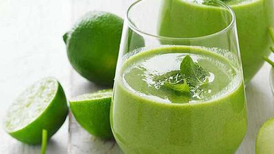 "Recipe:&nbsp;<a href=""https://kitchen.nine.com.au/2017/08/31/15/05/apple-spinach-and-mint-smoothie"" target=""_top"">Apple, spinach and mint smoothie</a>"