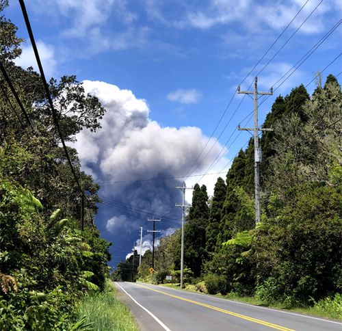 An ash plume rises from the Kilauea volcano on Hawaii. (CrowdSpark)