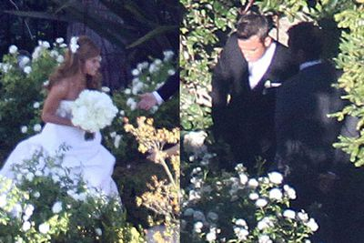 Robbie Williams married actress love Ayda Field at their Beverly Hills home.<br/>