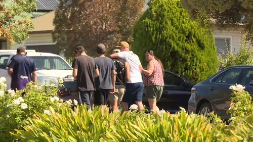 It is believed the men were known to each other. (9NEWS)