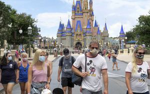 Disney guest accused of threatening guard over masks: police