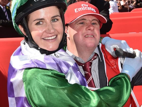 Michelle Payne with her brother Stevie. (AAP)