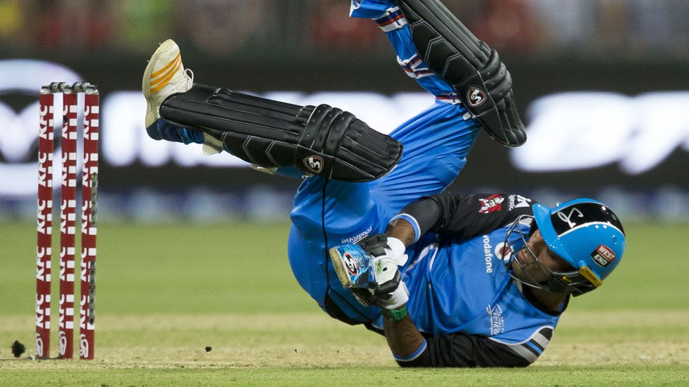 Red-hot Adelaide Strikers join BBL ladder logjam after Rashid Khan stars against Sydney Thunder