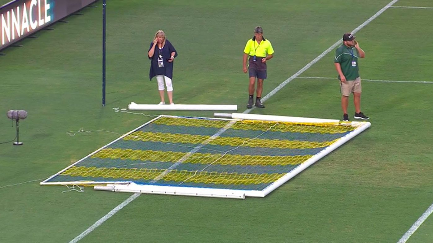 Snapped goalpost holds up A-League game between Central Coast Mariners and Perth Glory