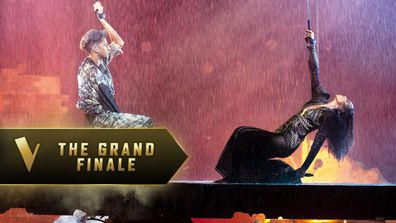 The Grand Finale: Kelly Rowland and Zeek Power 'Earth Song'