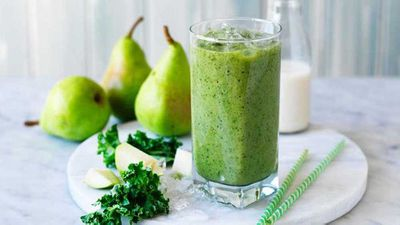 "Recipe:&nbsp;<a href=""http://kitchen.nine.com.au/2017/07/11/16/39/green-kale-and-pear-smoothie"" target=""_top"">Green kale, pear and almond milk smoothie</a>"