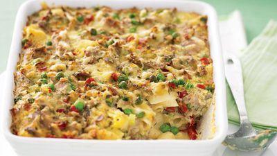"Recipe: <a href=""http://kitchen.nine.com.au/2016/05/13/11/27/tuna-pasta-bake"" target=""_top"">Tuna pasta bake with peas and capsicum</a>"