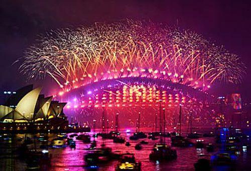 Sydney New Year's Eve 2018 fireworks (Getty)