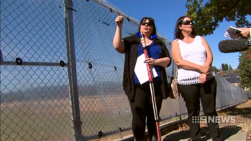 Philis Read and sister Edith Orr claim hundreds of children could be buried on the site. (9NEWS)