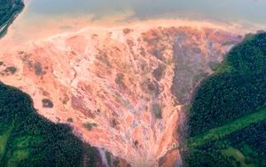 Russian river turns orange from copper mine waste
